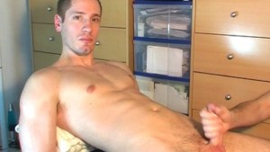 A innocent delivery guy serviced his big cock by a guy!