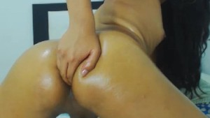 Beautiful Tranny Fingering Her Tight Ass