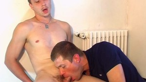 Paul, innocent str8 delivery guy serviced his big cock by a guy!