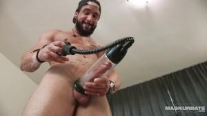 Maskurbate Zack Wins a Penis Pump