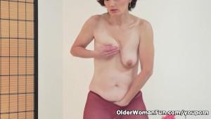 Euro milf Alice Sharp pleasures her pantyhosed cunt