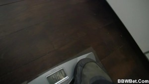 Horny dude fucks fatty car washer