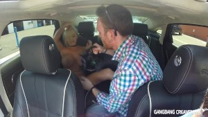 Huge boobed Blonde gives Mitt a BJ in car