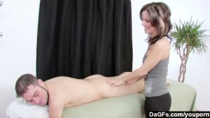 Dagfs - Masseuse Frenchie Give