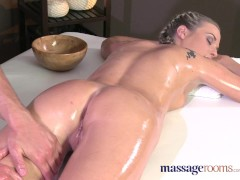 Massage Rooms Flexible blonde...