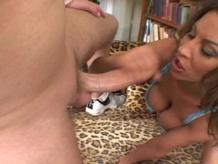 Fuck the pussy and cum on her feet