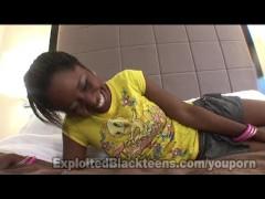 Ebony Teen Sloppy Head Giver in Amateur Video