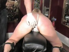 Big booty spanking - Dungeon VIP
