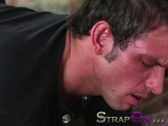 Strapon He gets his ass fucked by Rachel Evans
