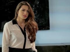Veronica Vain goes down on Wall Street