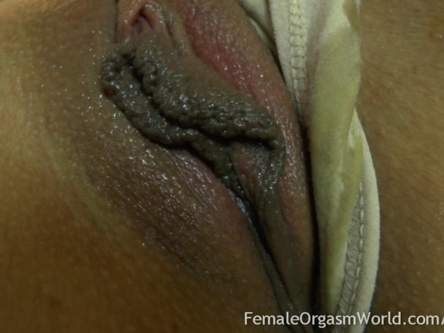 First Time Amateur Masturbates Her Big Pussy Lips To -4152