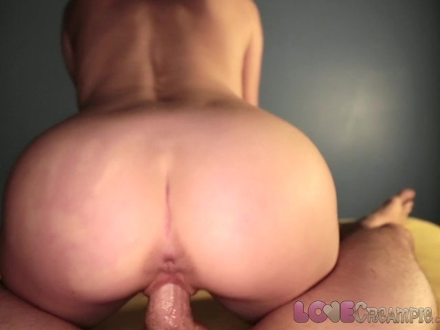 Sexy curvy blonde makeout