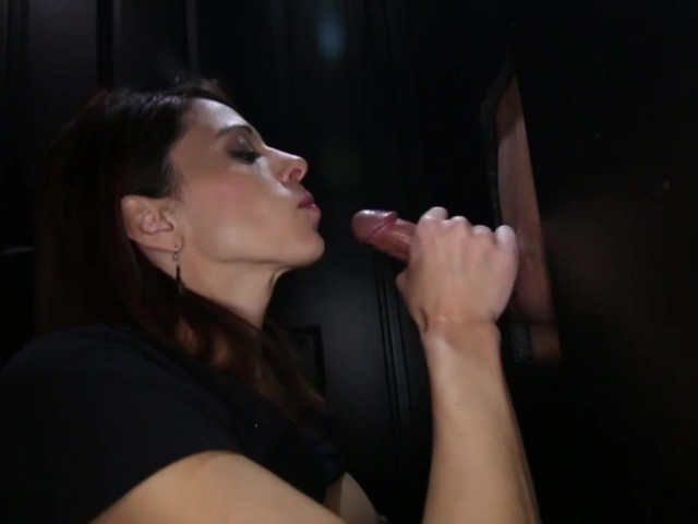 Cum Swallowing Milf Loves The Gloryhole - Free Porn Videos -3075