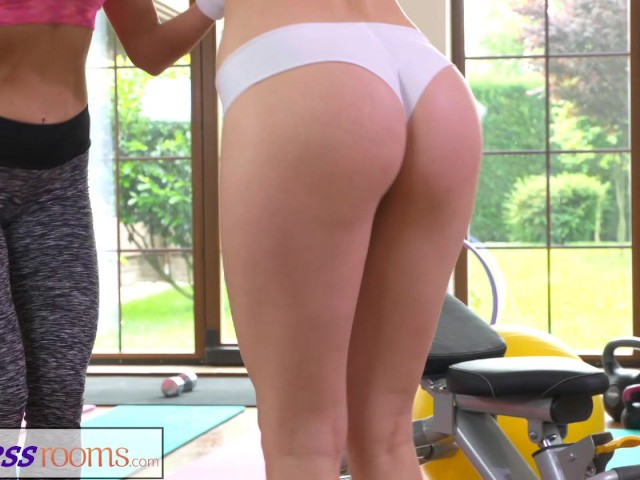 Fitnessrooms Hot Babes Having Sex in the Gym