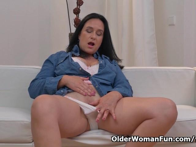 Euro granny pem lets her big old tits hang loose 2