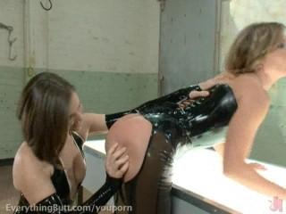 Ariel X & Bobbi Starr anal pele-mele