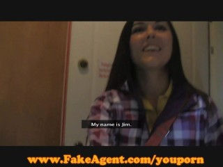 FakeAgent Cute teen Casting!