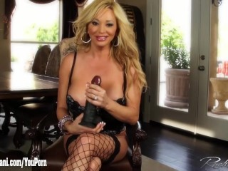 Rachel Aziani plays with her big clit and a big black dildo