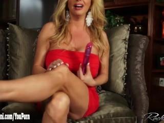 Rachel Aziani masturbates her creamy pussy
