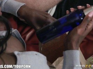 Brazzers - Ebony milf fucks young stud