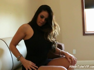 Alison Tyler dildos herself