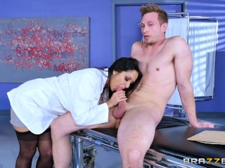 Brazzers - Doctor Ava Addams wants big cock