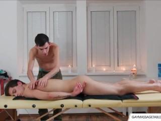 Horny Gay Lovers Enjoy Sex Massage