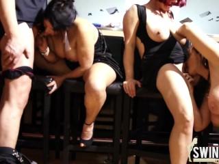 Reife Frauen im Swingerclub