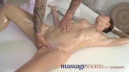 Massage Rooms Sexy babe...