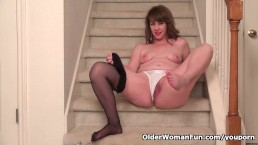 American milf Tracy gives...