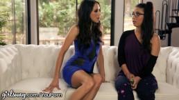 Nerdy Lesbian seduced by...